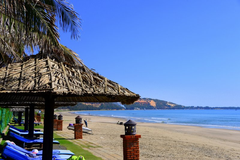 Pandanus-resort-mui-ne-vietnam-beach