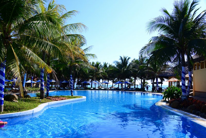 Pandanus-resorts-mui-ne-pool