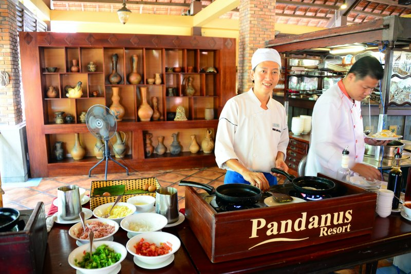 Pandanus-resorts-mui-ne-vietnam-breakfast