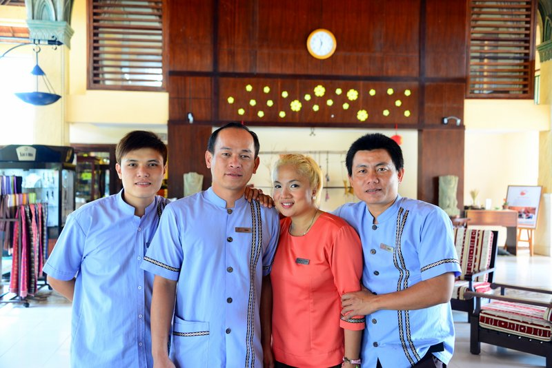Pandanus-resorts-mui-ne-vietnam-staff