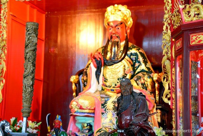things-to-do-in-saigon-pagoda