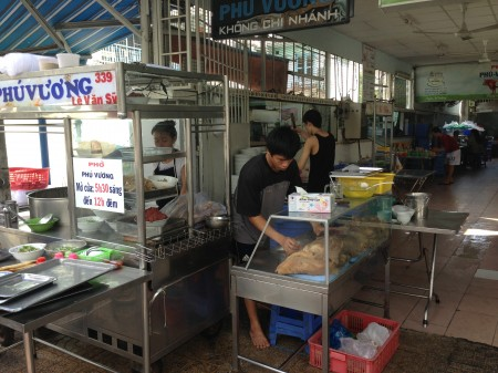 what to eat close to airport Tan Son Nhat  Pho