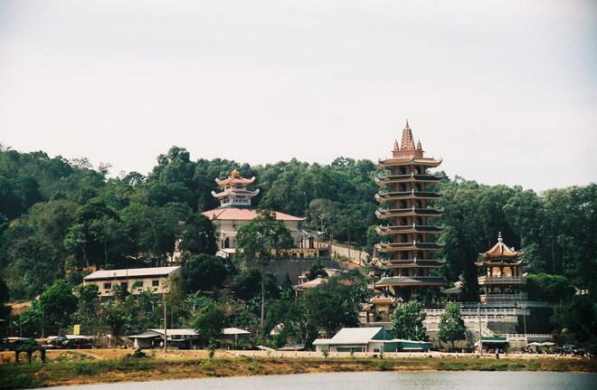 Chua Vietnam-Nui-Cam-An-Giang