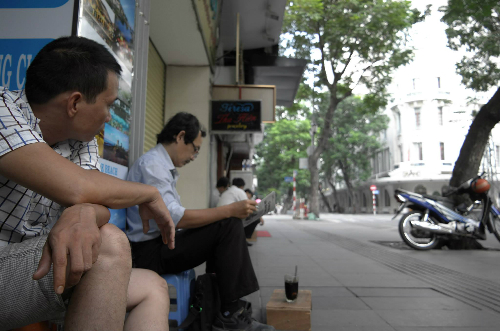 Coffee Drinking Style of Saigon 1