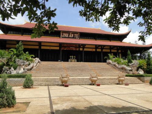 dalat-pagoda-1