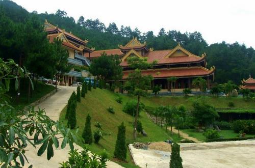 dalat-pagoda-4