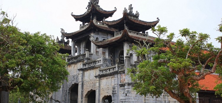 A Day at the Most Beautiful Church in Vietnam