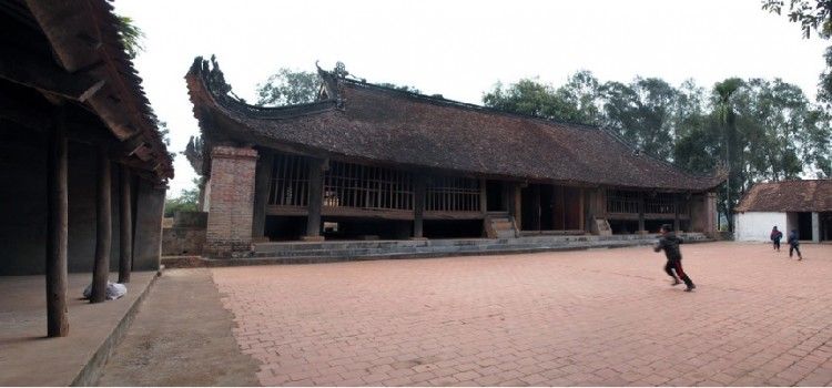 The intact 300-year-old temple in Bac Giang