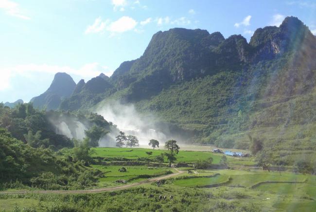 Ban Gioc Waterfall 5
